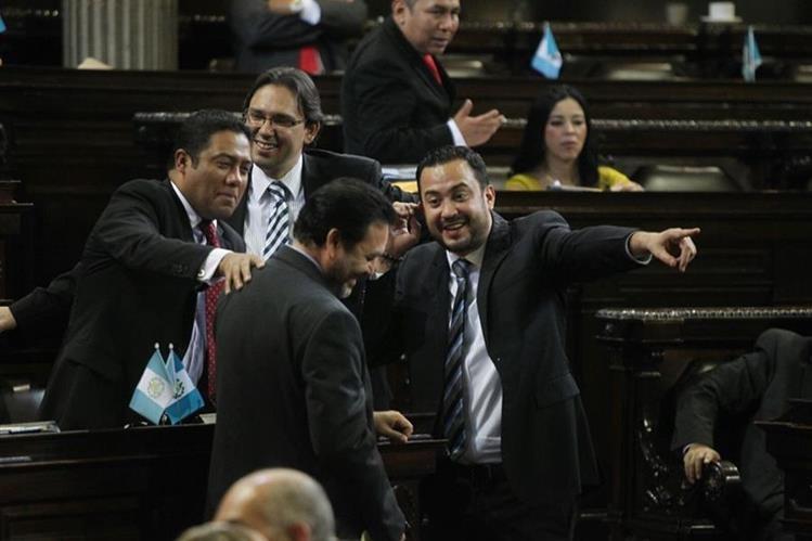 Congresistas envían mediante acuerdo las reformas electorales a la CC. (Foto Prensa Libre: Esbin García)