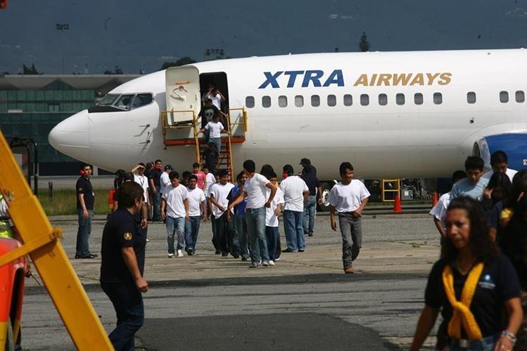 Las deportaciones de guatemaltecos de Estados Unidos han disminuido, mientras las remesas van en aumento. (Foto Prensa Libre: Hemeroteca PL)