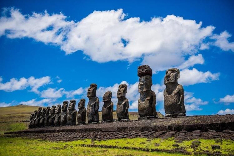 La Isla de Pascua es uno de los sitios más buscados por medio de el sitio Kayak disponible ahora en español en varios países de Latinoamérica. (Foto Prensa Libre: www.laguiadesantiago.cl)