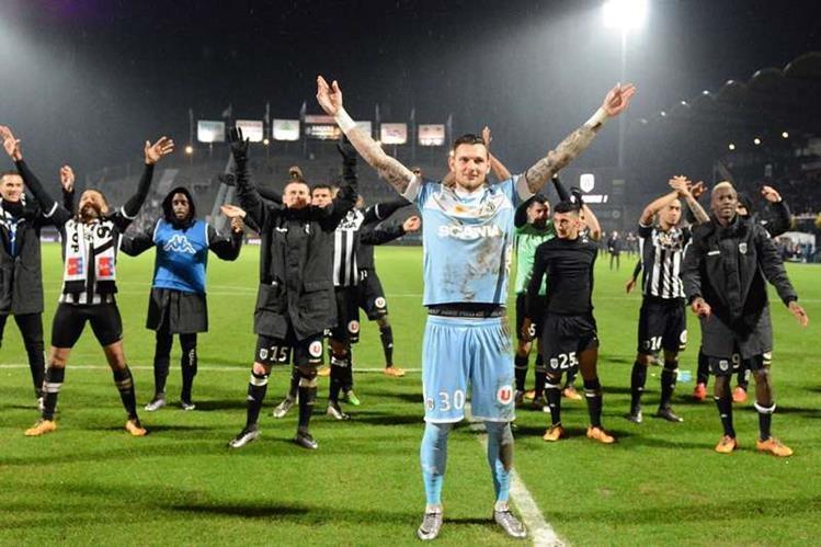"""El Angers es uno de los equipos """"sensación"""" de la Ligue 1. (Foto Prensa Libre: AFP)"""