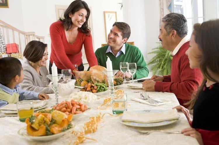 Los especialistas recomiendan comer alimentos saludables para prevenir enfermedades. (Foto Prensa Libre: Hemeroteca)