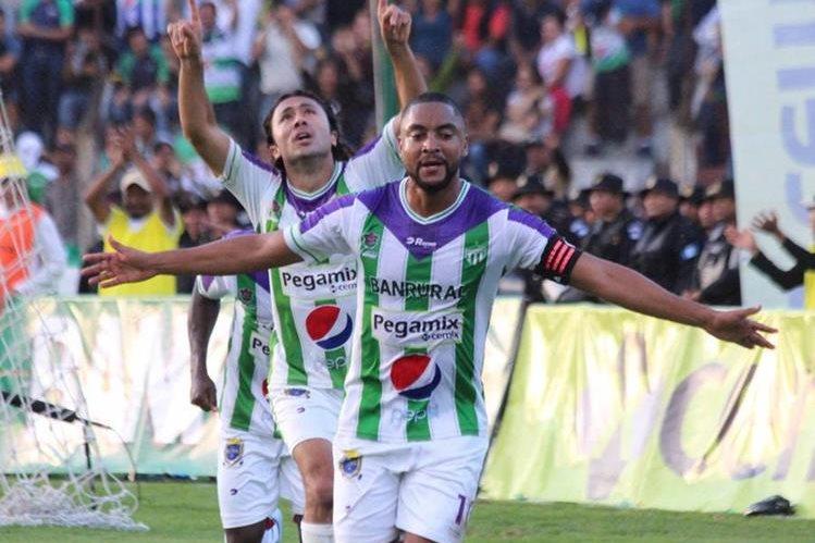 Manfred Russell no continuará con Antigua GFC y jugará la próxima temporada con Comunicaciones. (Foto Hemeroteca PL).