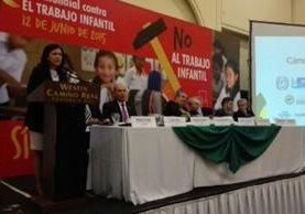 Cámara del Agro suscribió una declaración de compromiso para combatir el trabajo infantil. (Foto Prensa Libre: Rodrigo Méndez).