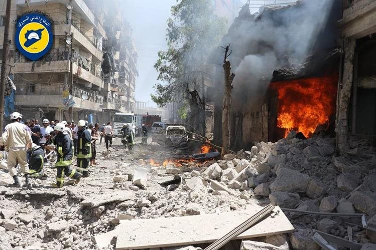 Bombardeos en Siria dejan decenas de muertos. (Foto Prensa Libre: AFP)