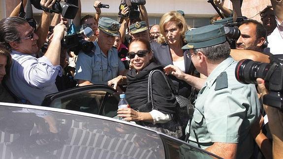 Isabel Pantoja fue condenada a prisión por blanqueo de dinero. (Foto Prensa Libre: diariosur.es)