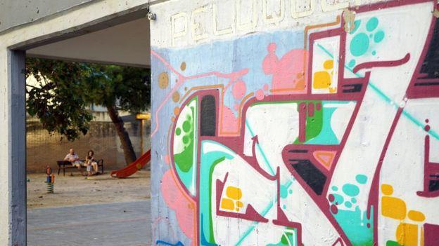 Grupo de viviendas sociales Antonio Rueda, construidas durante el franquismo. (BBC MUNDO)