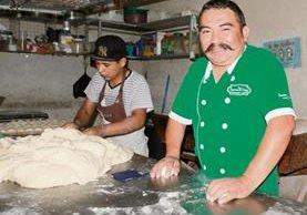 Escuchar las necesidades y opiniones de los clientes es importante refiere el emprendedor (Foto Prensa Libre: Miguel López)
