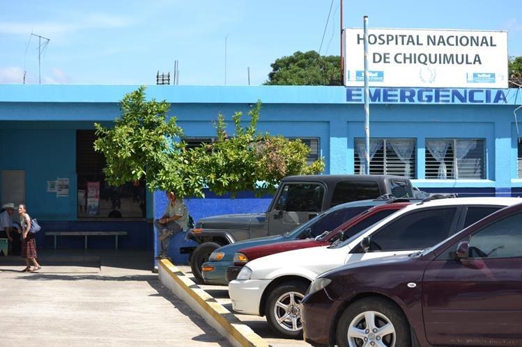 Víctima de ataque fue trasladada al Hospital Nacional de Chiquimula. (Foto Prensa Libre)