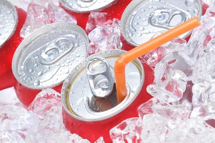 Las bebidas dietéticas ayudan, posiblemente, a reducir el riesgo de hipertensión.