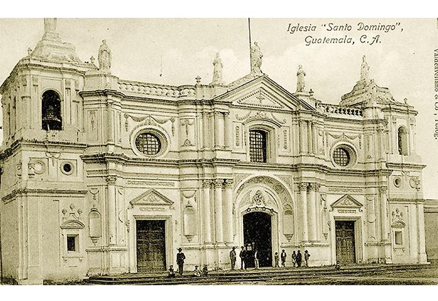 Templo de Santo Domingo a principios del siglo XX. (Foto: Hemeroteca PL)