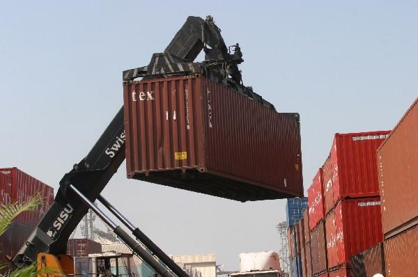 Los acuerdos comerciales han sido positivos pero también negativos (Hemeroteca PL)