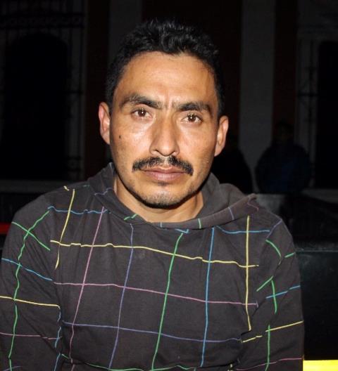 La PNC captura a Néstor Vásquez Pérez, señalado de ser el traficante que trasladaría a Estados Unidos a 15 migrantes hondureños y una guatemalteca. (Foto Prensa Libre: PNC)