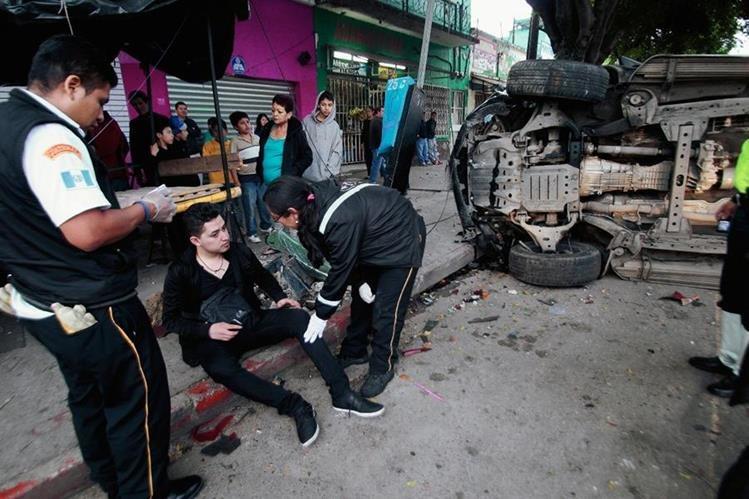 Los accidentes de tránsito se incrementan en diciembre según cuerpos de socorro. (Foto Prensa Libre: Hemeroteca PL)