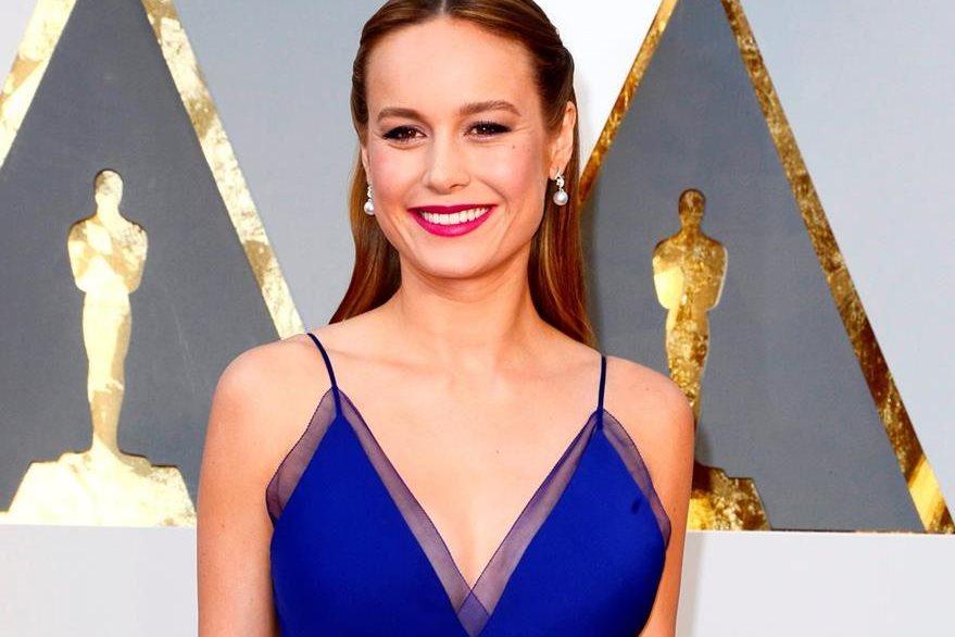 Brie Larson se alzó con la estatuilla a mejor actriz. (Foto Prensa Libre: EFE)