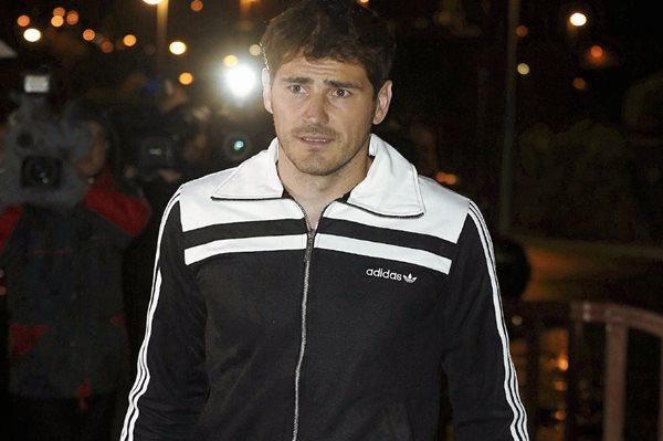 El portero del Real Madrid, Iker Casillas, a su llegada a la concentración de la selección española. (Foto Prensa Libre: EFE)
