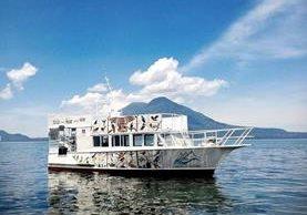 El Crucero de Atitlán es una de las opciones que tienen los turistas salvadoreños para conocer los pueblos que rodean el Lago de Atitlán, Sololá. (Foto Prensa Libre: Tomada del Facebook de Eco Hoteles Uxlabil)