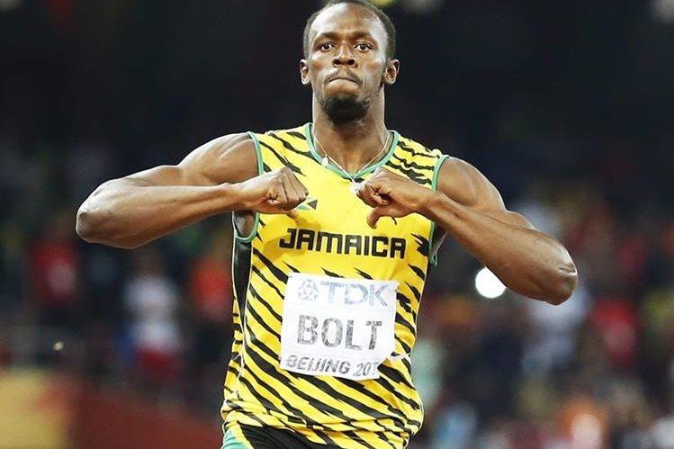 El atleta jamaicano Usain Bolt gana la final de 200 metros masculinos en el Mundial de Atletismo. (Foto Prensa Libre: EFE)