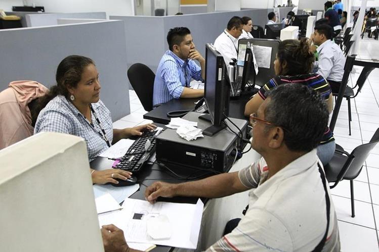El Registro Nacional de las Personas (Renap) tiene a su cargo la extensión del Documento de Identificación Personal (DPI). (Foto: Hemeroteca PL)