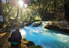 La joven guatemalteca viajó recientemente a Huehuetenango para captar imágenes del rio Azul. Foto: Cindy Lorenzo