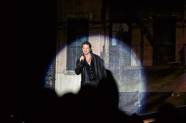 Ricardo Arjona comienza su gira de conciertos en San Juan, Puerto Rico. (Foto: Hemeroteca PL)