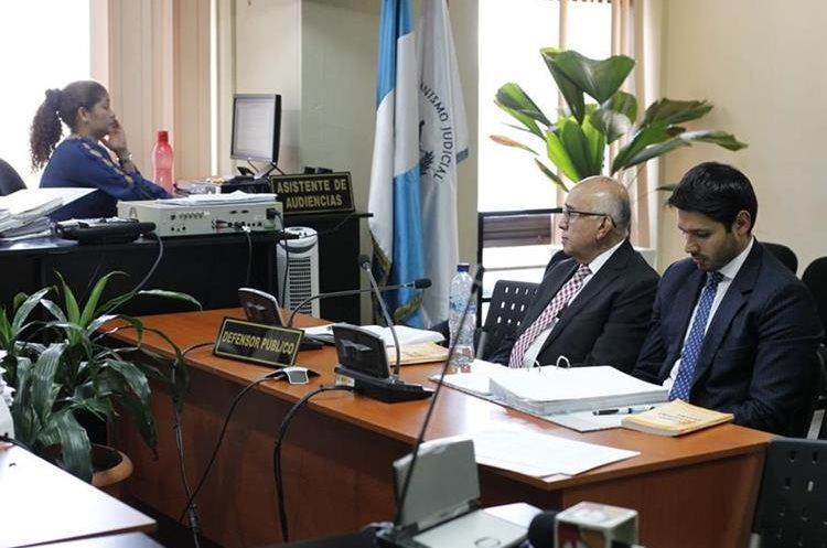 Exmagistrado Mendizábal Mazariegos durante su audiencia de primera declaración. (Foto Prensa Libre: Paulo Raquec)