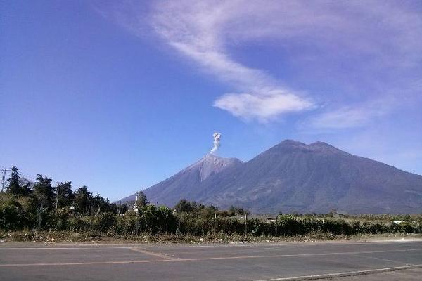 <p>El Volcán de Fuego es uno de los más activos del país. (Foto Prensa Libre: Renato Melgar)</p>