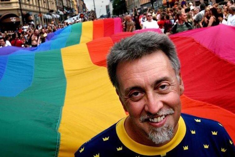 Muere a los 65 años Gilbert Baker creador de la bandera arcoíris símbolo de la comunidad LGTB