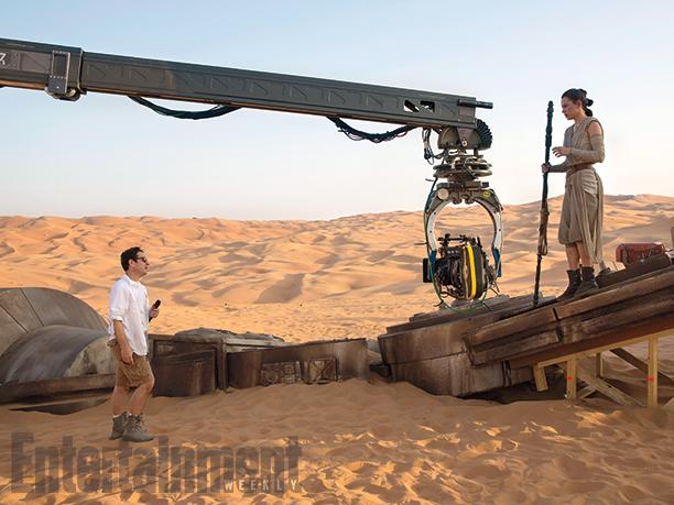 La revista Entertainment Weekly reveló las primeras imágenes del filme Star Wars para todos sus fanáticos. (Foto Prensa Libre: Entertainment Weekly)