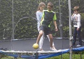 Adrián concursa para entrenar en una academia en España.