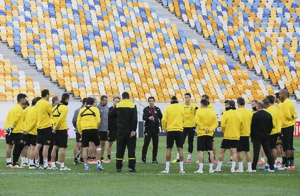 Los jugadores del Sevilla esperan lograr el pase a la gran final de la Liga Europa. (Foto Prensa Libre: EFE)