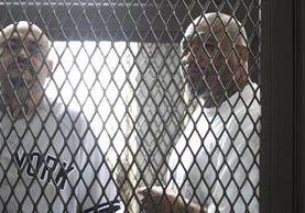 Seis de los pandilleros no fueron trasladados al juzgado por medidas de seguridad. (Foto Prensa Libre: Carlos Hernández)