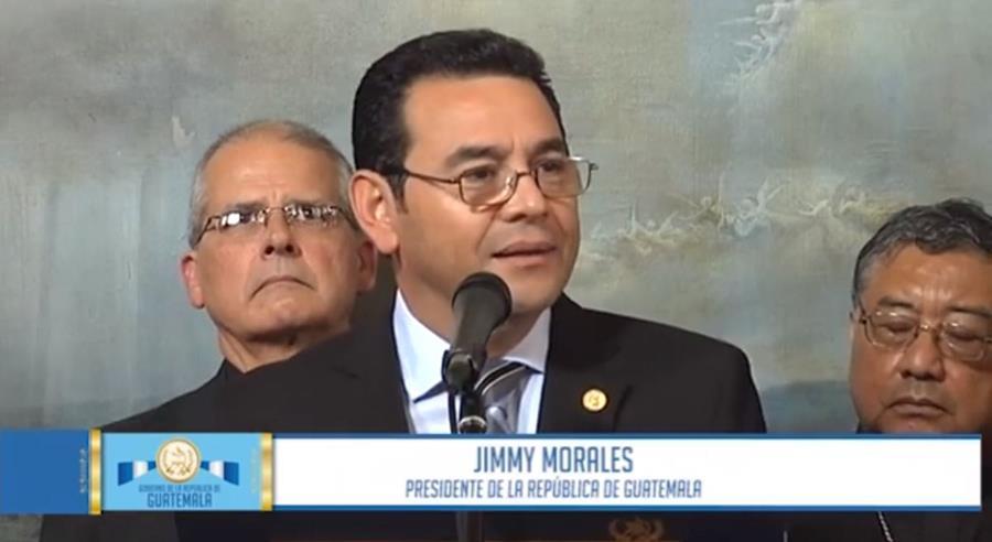 Jimmy Morales asegura que se está gestionando la invitación para que el papa Francisco visite el país. (Foto Prensa Libre: Facebook)