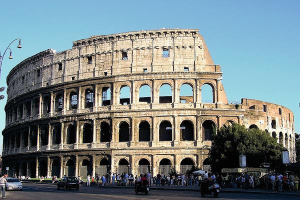El Ayuntamiento de Roma ha declarado la guerra a la publicidad machista  dispersos por la ciudad. (Internet).