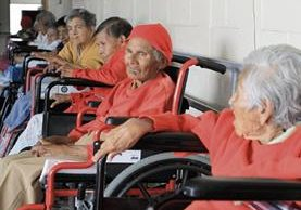 Los Misioneros de la Caridad albergan a 13 personas de la tercera edad que no tienen familia ni vivienda, en la zona 19.