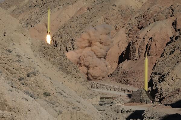 Irán efectua dos nuevos test de misiles balísticos. (Foto Prensa Libre:AFP)