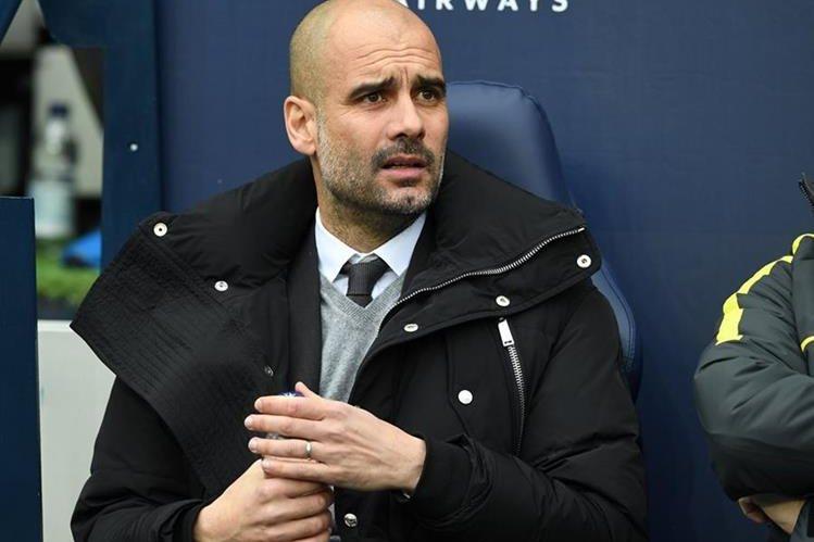 Guardiola busca el título en la Premier League con el City. (Foto Prensa Libre: AFP)