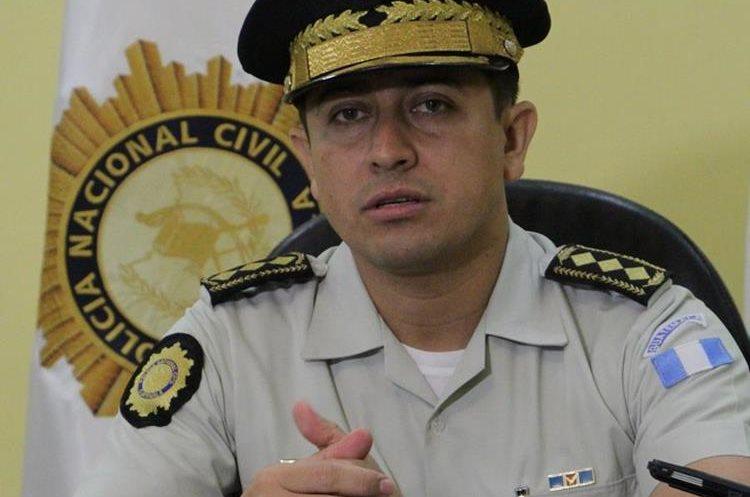 Nery Ramos, director de la PNC, advirtió que usaràn las fuerzas que sean necesarias para defender a la ciudadanía y a sus agentes. (Foto Prensa Libre: PNC)