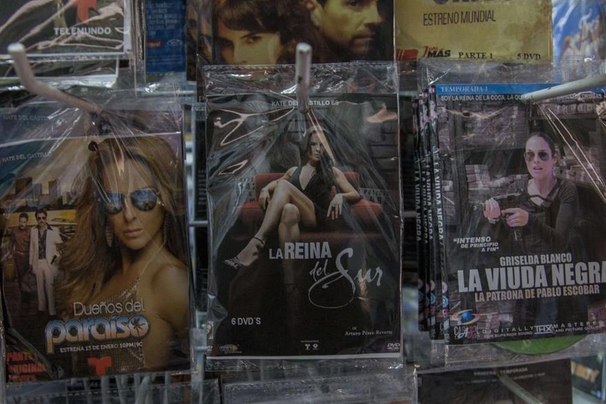 La serie televisiva La reina del sur también incrementa sus ventas en estas fechas. (Foto Prensa Libre: AFP).