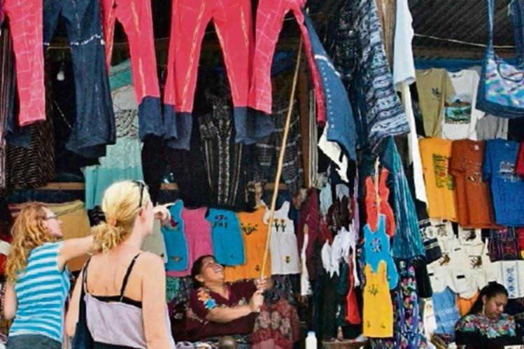 Destinos tradicionales del país se promocionan.