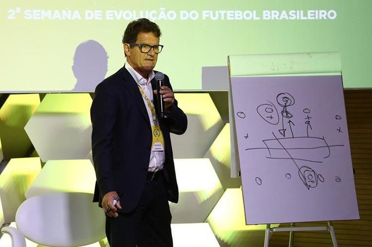 """Fabio Capello durante su intervención en la segunda edición del seminario """"Somos Fútbol"""". (Foto prensa Libre: EFE)"""