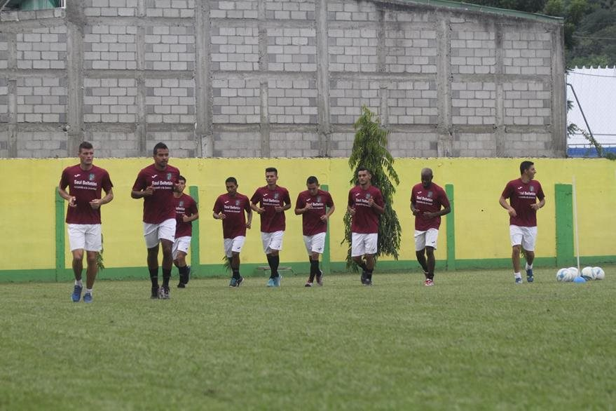 Los jugadores de Guastatoya en la práctica. (Foto Prensa Libre: Hugo Oliva)