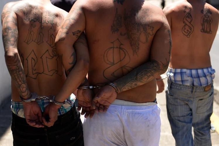 Imagen referencial. El Salvador terminó el 2015 con una tasa de homicidios de 104 por cada 100 mil habitantes, según la ONU. (Foto Prensa Libre: AFP).