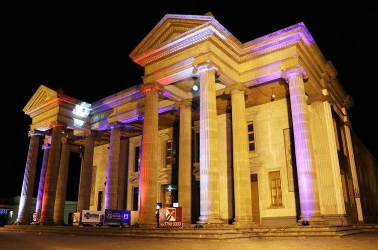 Elección de Señorita Quetzaltenango se efectuó en el Teatro Municipal.