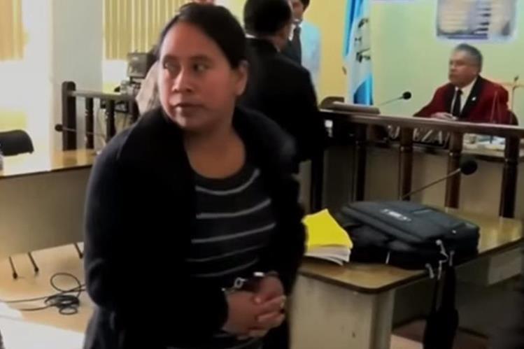 Sandra Amarilis Orozco Méndez fue hallada culpable de los delitos de lesiones leves y maltrato contra personas menores de edad. (Foto Prensa Libre: Whitmer Barrera).