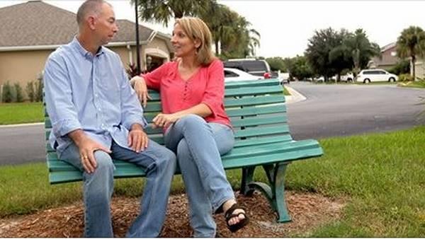 Lee Paul Johnson y Shelly Osterhout. se conocieron en Internet.