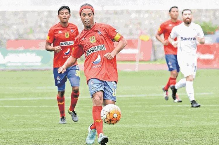 Ronaldinho aconsejó a Neymar