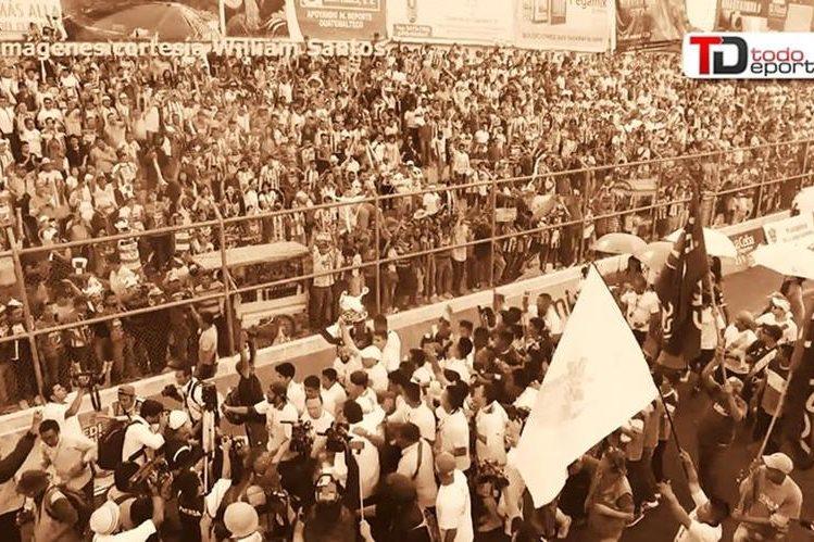 Antigua GFC pasará a la historia como el equipo que rompió la hegemonía crema, después del hexacampeonato. (Foto Prensa Libre)