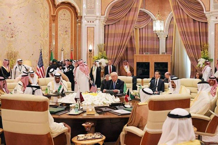 Trump recibió una cálida bienvenida en Arabia Saudita