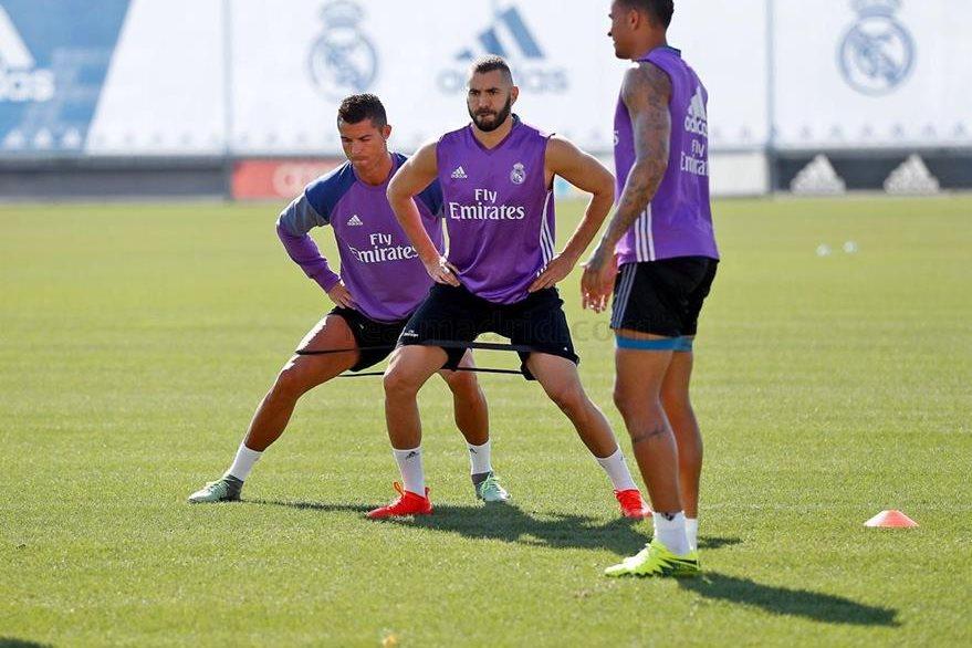 Cristiano y Benzema quieren estar a punto para regresar con más fuerza en la Liga. (Foto Prensa Libre: Real Madrid).