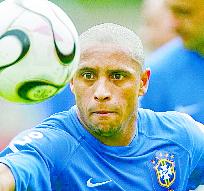 Roberto Carlos fue una de las principales estrellas de la Selección de Brasil. (Foto Prensa Libre: Hemeroteca PL)